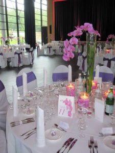 Hochzeit runde Tische und Hussen_4